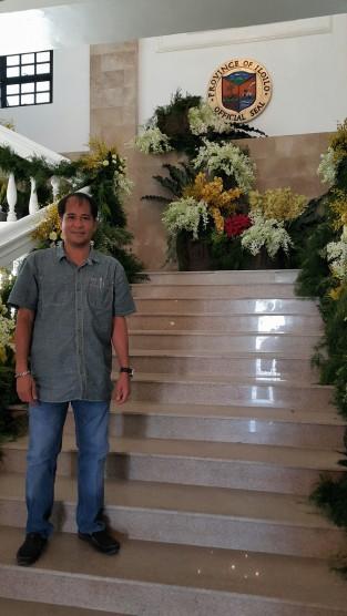 Hisancha on Casa Real staircase